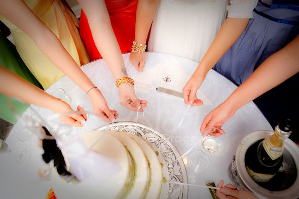 If You Have Never Seen This Here Is How It Works The Charms One For Each Bridesmaid Are Tied To Long Satin Ribbons Usually Made Of