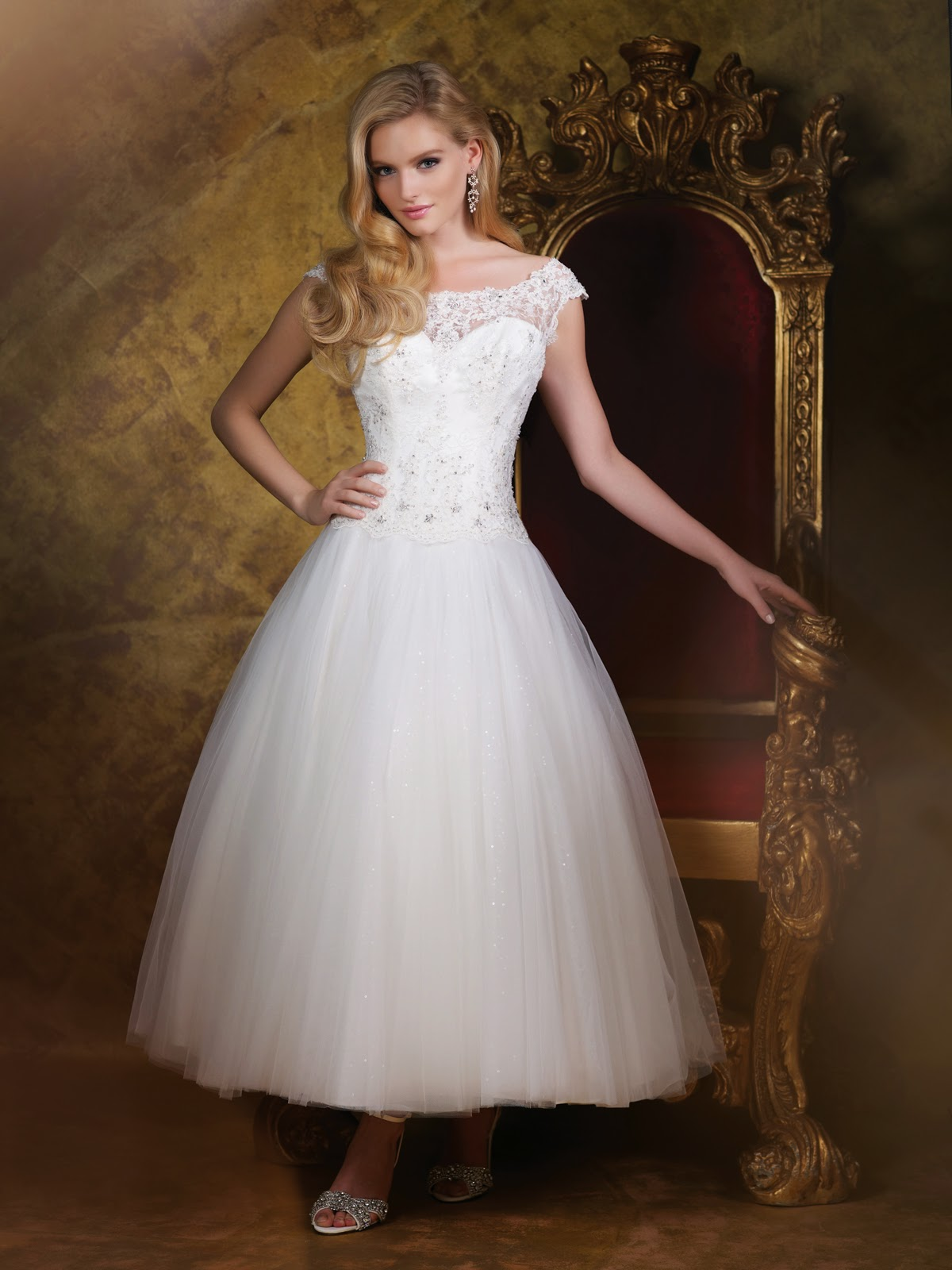 Trends for Spring 2015 Wedding Gowns, a Recap of 2014 New York ...