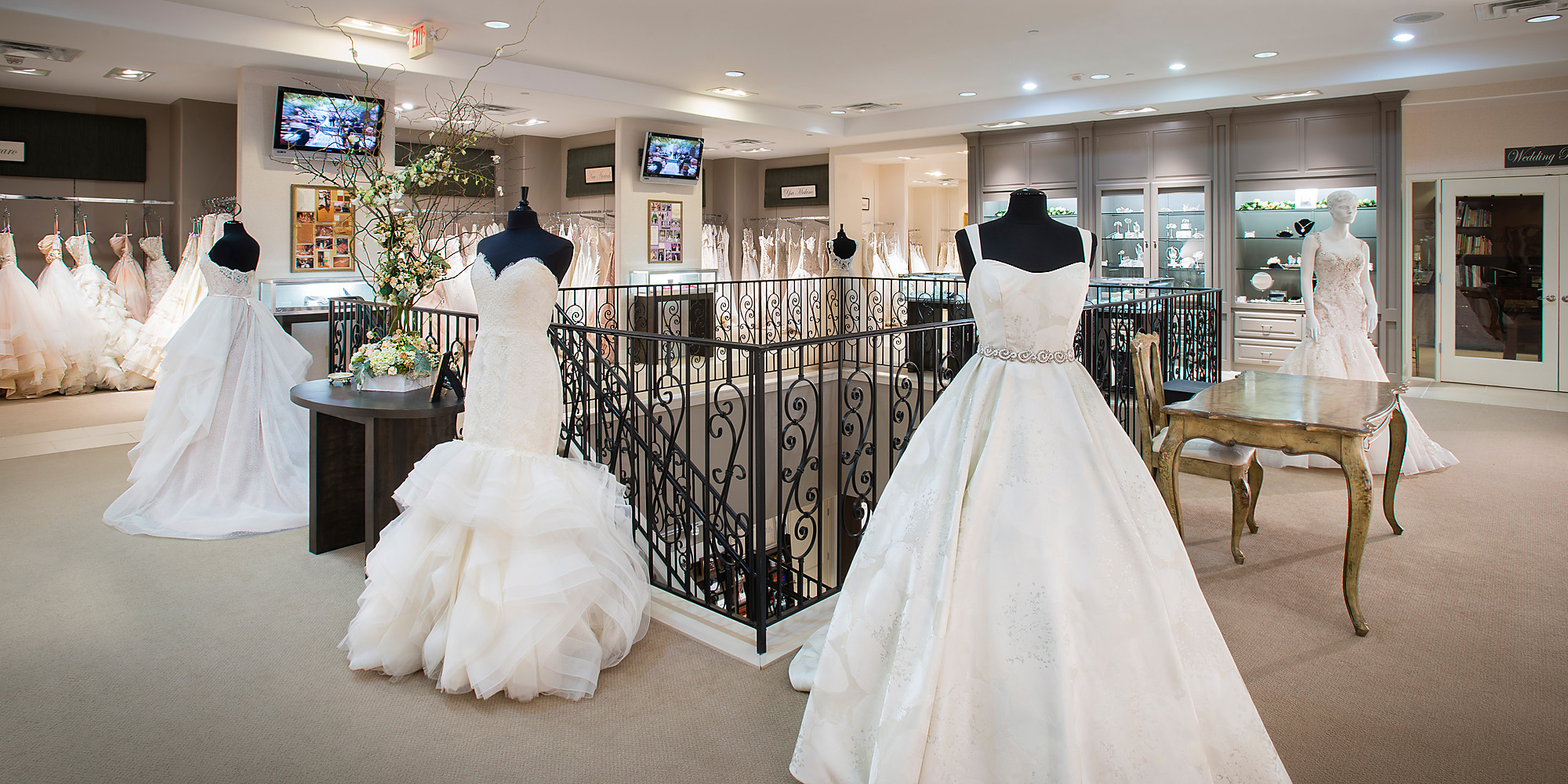 Bridal boutiques dallas mini bridal for Wedding dress boutiques dallas