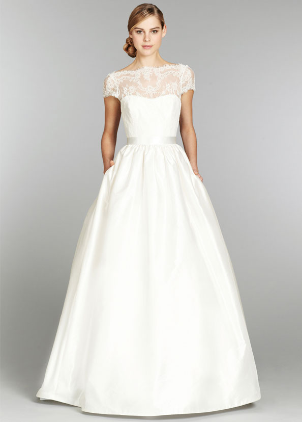Dfw wedding gowns stardust celebrations for Wedding dress boutiques dallas